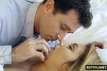 Hot pornstar sex and creampie...