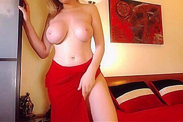 Natural boobs webcam blonde...