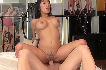 Kinky hunk puts a tape on gorgeous asians...
