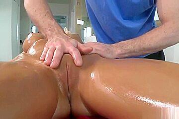 Cute towheaded young slut having an amazing massage...