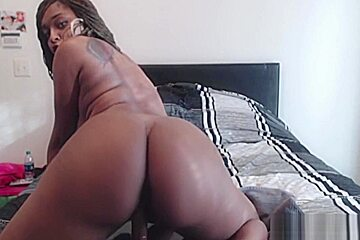 Phat ass black girl bouncing on thick dildo...