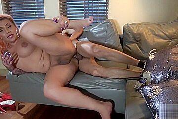 Enjoying a good cock...