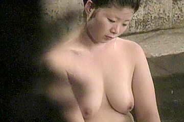 Asian amateur fem is sitting calmly boobs nri024...