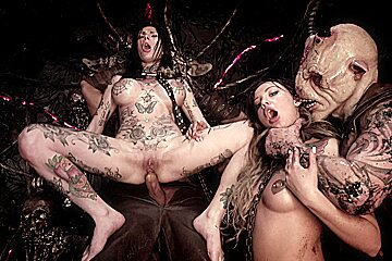 Horrorporn hell hoes...
