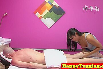 Threeway with babes wanking...