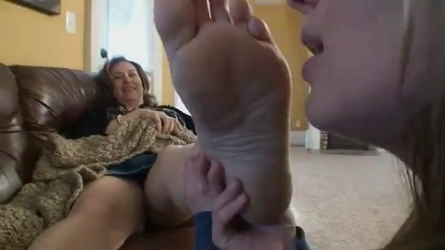 Foot worship mature Feet: 27,463