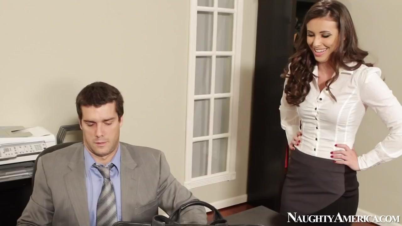 Hot secretary Casey Calvert pleasures Ramon Nomar